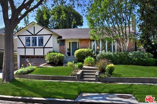 Photo of 13980 Davana Terrace, Sherman Oaks, CA 91423 (MLS # 21782680)