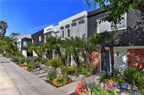 Photo of 10809 Blix Street #2, Toluca Lake, CA 91602 (MLS # SR20036738)