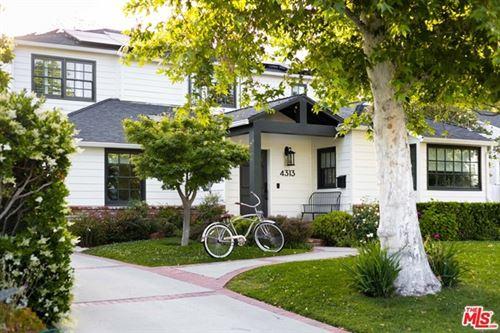 Photo of 4313 Camellia Avenue, Studio City, CA 91604 (MLS # 21730740)