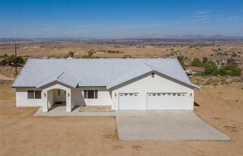 Photo of 9025 Central Road, Apple Valley, CA 92308 (MLS # 523766)