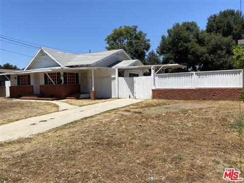 Photo of 475 Wyoming Street, Pasadena, CA 91103 (MLS # 21765794)