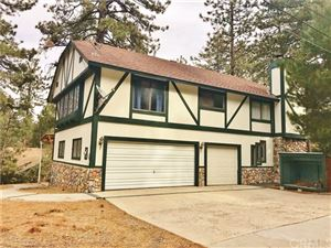 Photo of 23306 N Flume Canyon Drive, Wrightwood, CA 92397 (MLS # CV17261826)