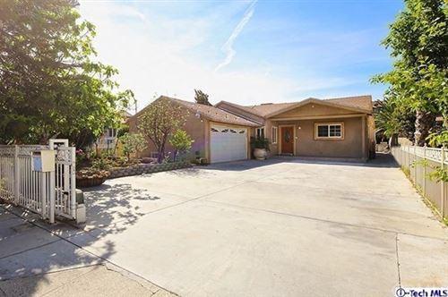 Photo of 14718 Wyandotte Street, Van Nuys, CA 91405 (MLS # 320003996)