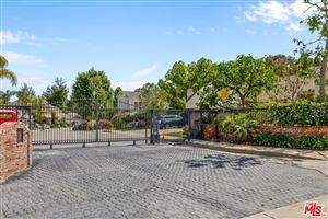 Photo of 4249 TARZANA ESTATES Drive, Tarzana, CA 91356 (MLS # 19464068)