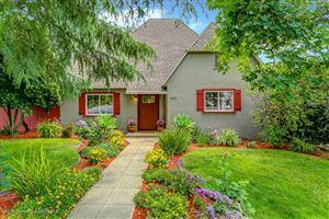Photo of 2212 North HOLLISTON Avenue, Altadena, CA 91001 (MLS # 819002136)