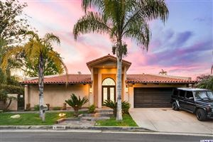 Photo of 18911 LA MONTANA Place, Tarzana, CA 91356 (MLS # 319001229)
