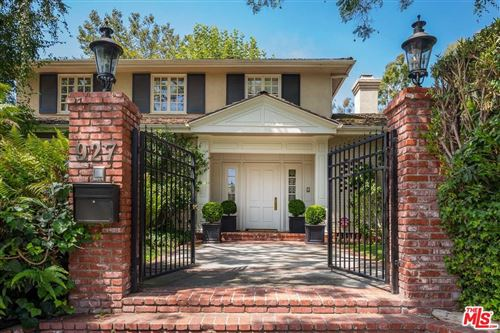 Photo of 927 North WHITTIER Drive, Beverly Hills, CA 90210 (MLS # 19501342)