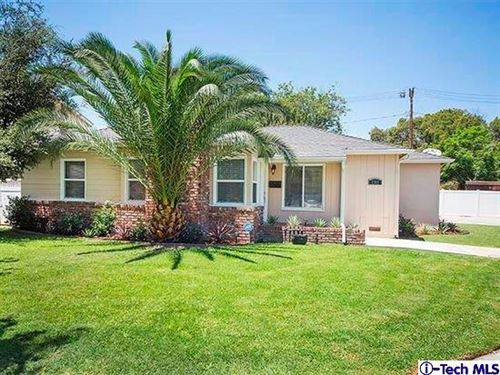 Photo of 1301 West RIVERSIDE Drive, Burbank, CA 91506 (MLS # 319003349)