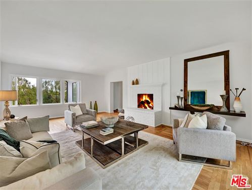 Photo of 1972 OUTPOST Circle, Los Angeles , CA 90068 (MLS # 19497362)