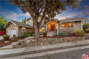 Photo of 4415 LAUDERDALE Avenue, Glendale, CA 91214 (MLS # 19506400)