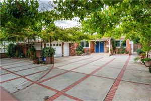 Photo of 19033 ERWIN Street, Tarzana, CA 91335 (MLS # SR19184575)