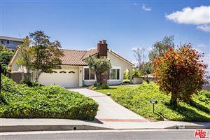 Photo of 4443 DEANWOOD Drive, Woodland Hills, CA 91364 (MLS # 19467956)