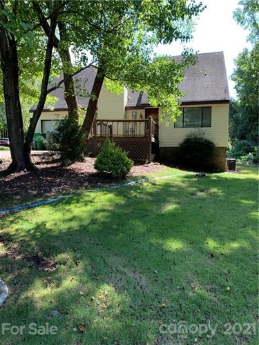 Photo of 4910 Rolling Oak Lane, Charlotte, NC 28227-4938 (MLS # 3782184)