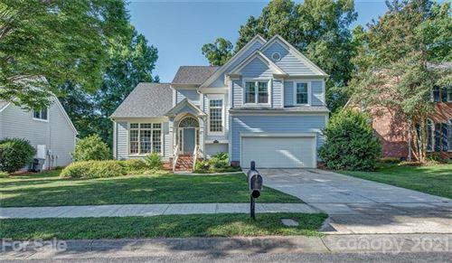 Photo of 6518 Fairway Point Drive, Charlotte, NC 28269-0606 (MLS # 3755507)