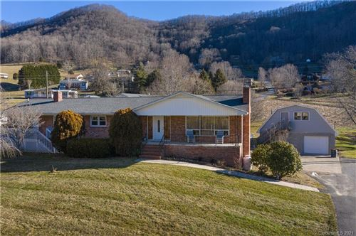 Photo of 312 Evans Cove Road, Maggie Valley, NC 28751 (MLS # 3699959)