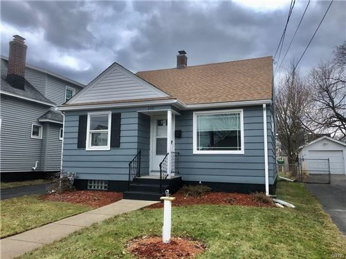 Photo of 246 Winthrop Road, Syracuse, NY 13206 (MLS # S1246413)