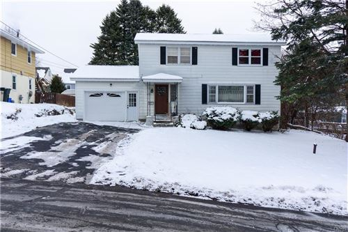 Photo of 435 Clover Ridge Drive, Syracuse, NY 13206 (MLS # S1243706)