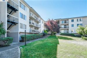 Photo of 960 Shorepoint Ct #300, ALAMEDA, CA 94501 (MLS # 40879030)