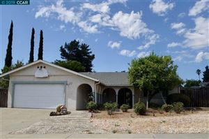 Photo of 214 Southwind Dr, PLEASANT HILL, CA 94523-1032 (MLS # 40881077)