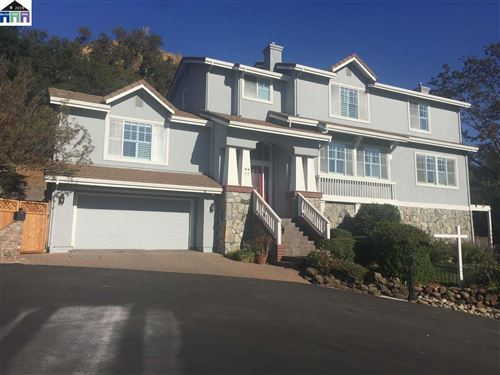 Photo of 63 Stonecastle Ct, ALAMO, CA 94507 (MLS # 40862089)