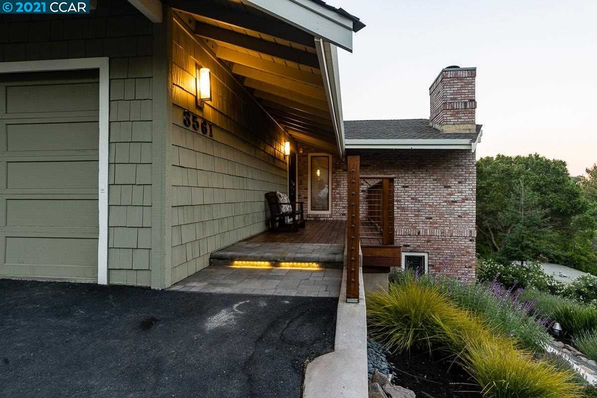 Photo of 3561 Old Mountain View Dr, LAFAYETTE, CA 94549 (MLS # 40954228)