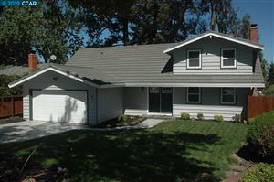 Photo of 10 Greyfell Pl, PLEASANT HILL, CA 94523 (MLS # 40881367)