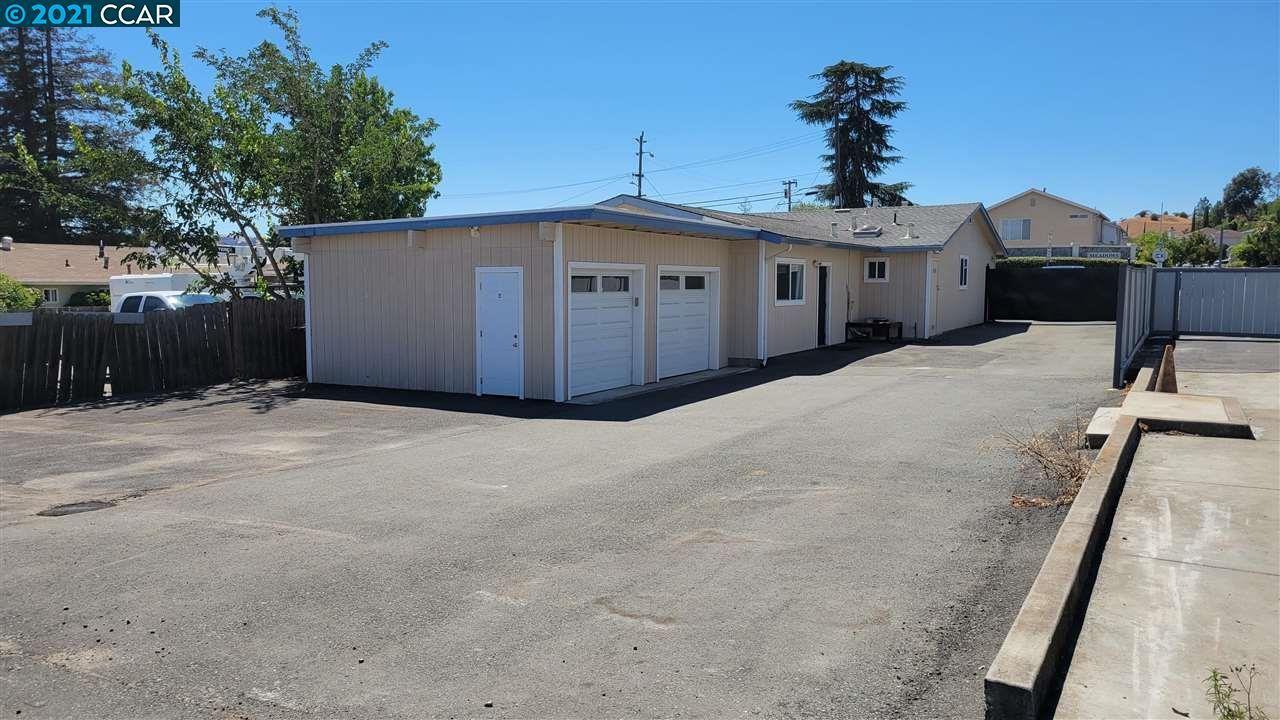 Photo of 251 Arthur Rd, MARTINEZ, CA 94553 (MLS # 40959610)