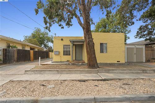 Photo of 627 West 13th Street, ANTIOCH, CA 94509-0000 (MLS # 40963688)