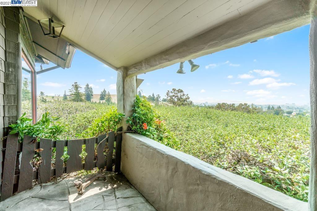 Photo of 67 Norman Ln, OAKLAND, CA 94618 (MLS # 40962826)