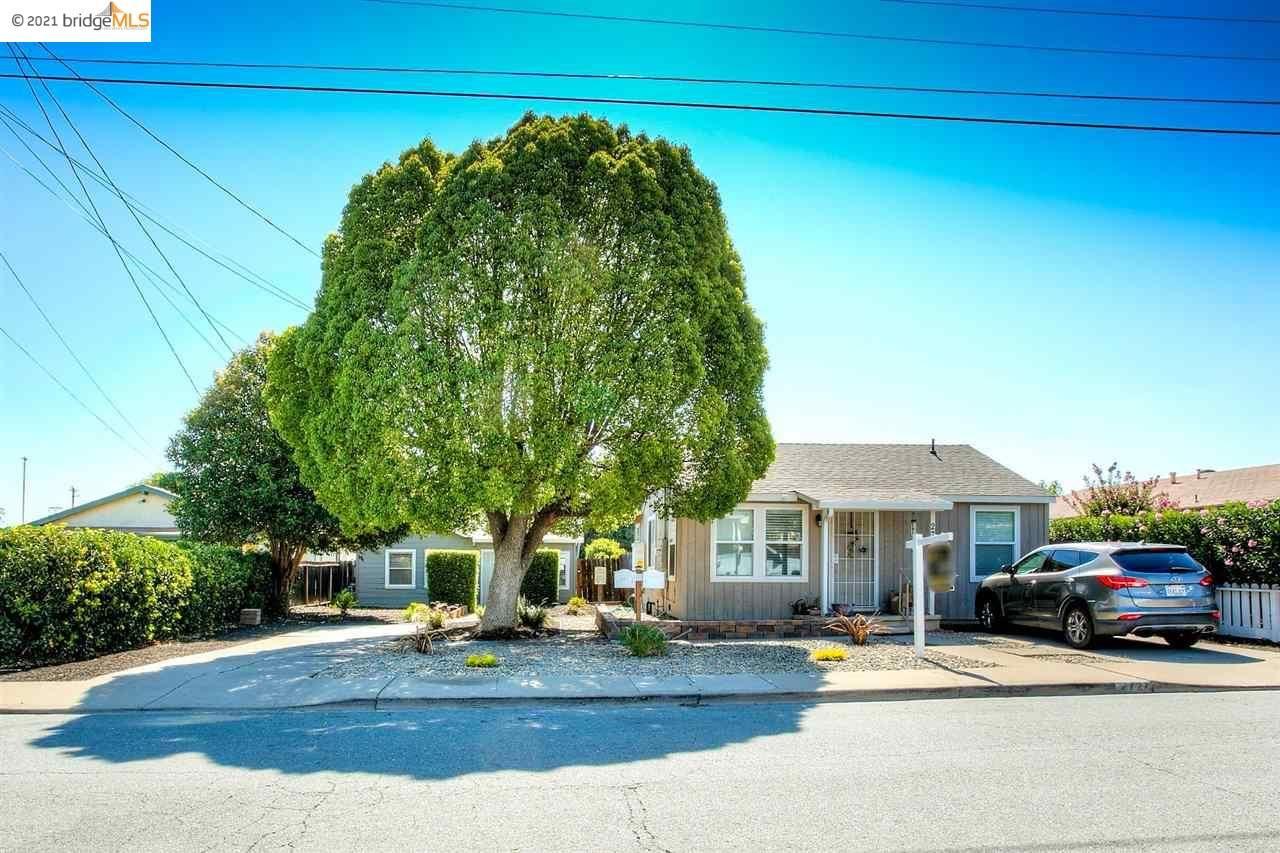Photo of 2727 Lincoln Ln, ANTIOCH, CA 94509 (MLS # 40960897)