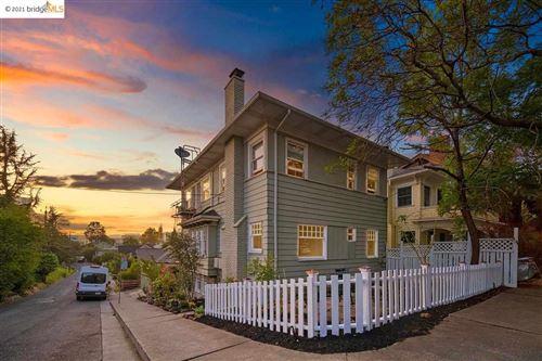 Photo of 150 Moss Way, OAKLAND, CA 94611-5442 (MLS # 40955921)