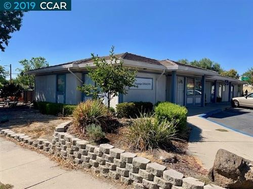 Photo of 3724 Lone Tree Way, ANTIOCH, CA 94509 (MLS # 40878960)