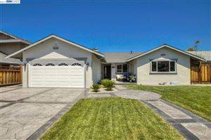 Photo of 576 Brookfield Dr, LIVERMORE, CA 94551 (MLS # 40878995)