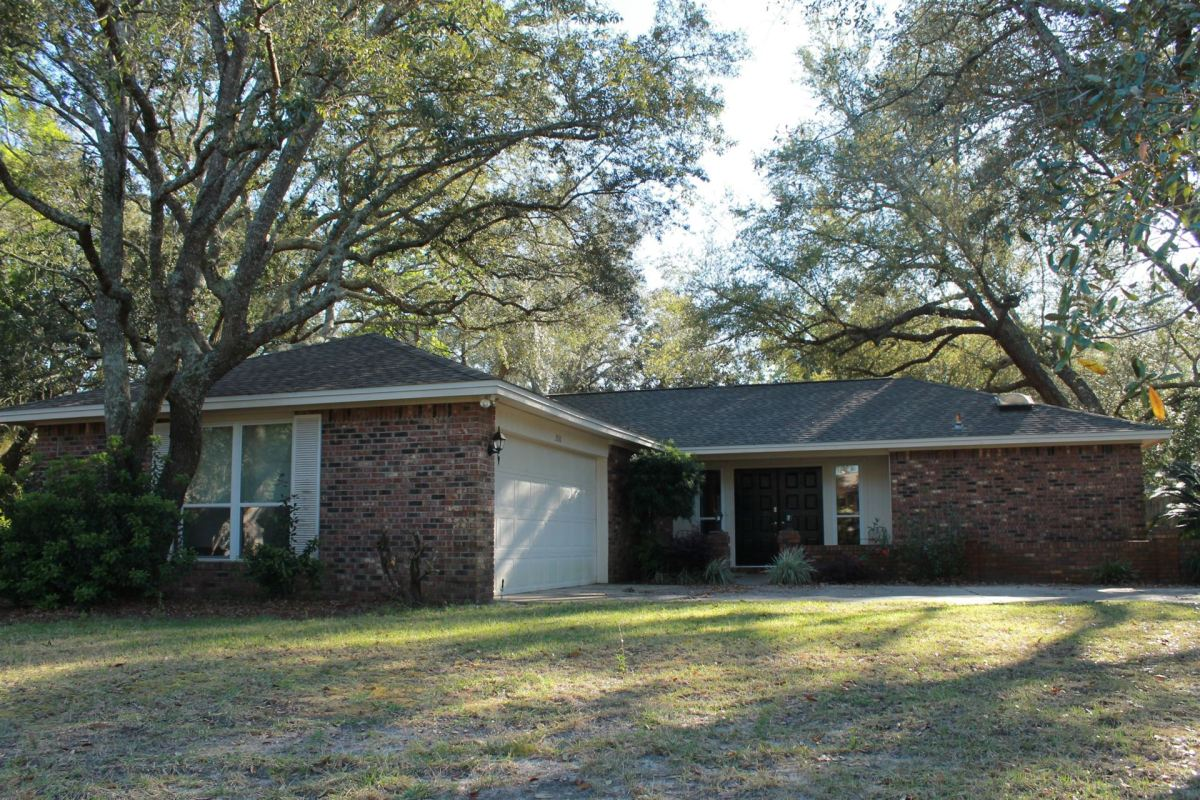 Photo of 260 W Dominica Circle, Niceville, FL 32578 (MLS # 847314)
