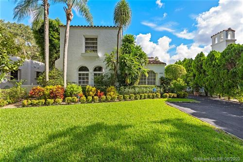 Photo of 525 Navarre Ave, Coral Gables, FL 33134 (MLS # A10905224)