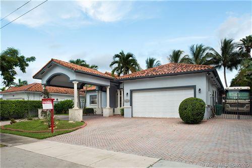 Photo of 13710 SW 30th St, Miami, FL 33175 (MLS # A10909467)