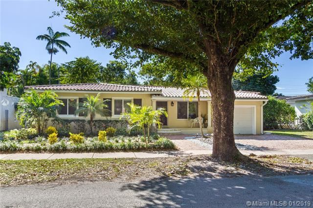 Photo for 444 Camilo Ave, Coral Gables, FL 33134 (MLS # A10597780)