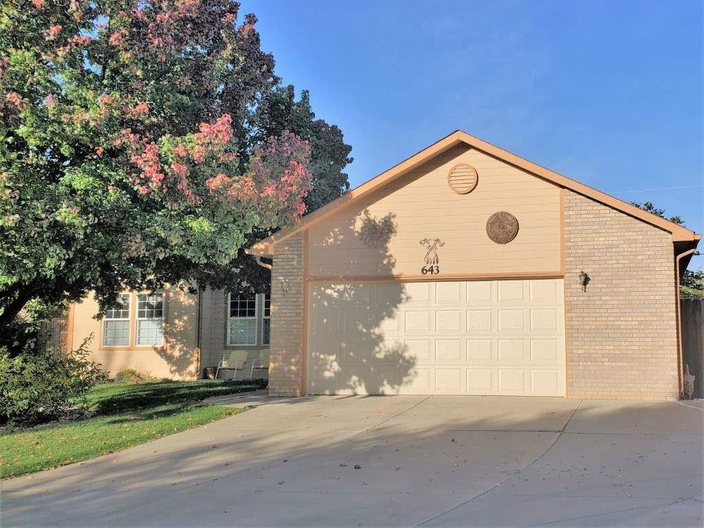 Photo of 643 W Tomahawk Circle, Grand Junction, CO 81504 (MLS # 20205237)