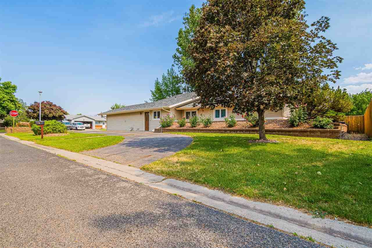 Photo of 2939 Wellington Avenue, Grand Junction, CO 81504 (MLS # 20211695)