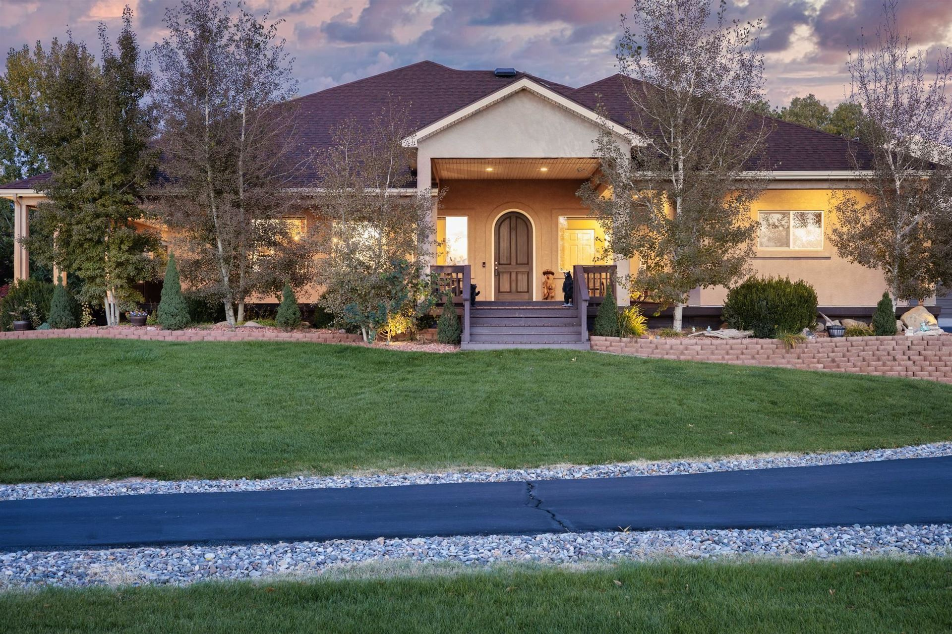 Photo of 894 25 Road, Grand Junction, CO 81505 (MLS # 20215701)