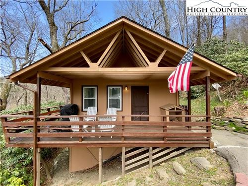 Photo of 309 Ski Crest Park, Blowing Rock, NC 28605 (MLS # 229335)