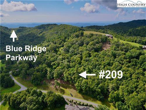 Photo of 209 ThunderHill Trail, Blowing Rock, NC 28605 (MLS # 233506)