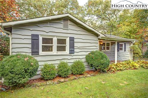 Photo of 148 Ridgecrest Lane, Blowing Rock, NC 28605 (MLS # 233779)