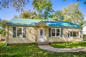Photo of 308 Campbell Drive, Liberty, MO 64068 (MLS # 2195036)