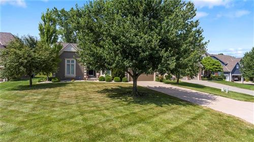 Photo of 7900 NW Sunset Drive, Parkville, MO 64152 (MLS # 2226111)