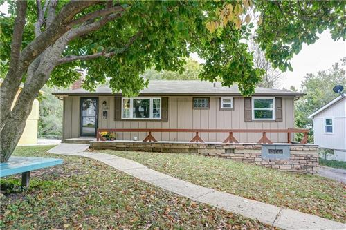 Photo of 7025 N Pennsylvania Avenue, Kansas City, MO 64024 (MLS # 2245407)