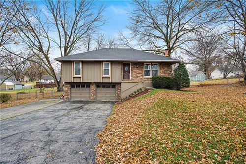 Photo of 501 NE 113th Street, Kansas City, MO 64155 (MLS # 2254445)