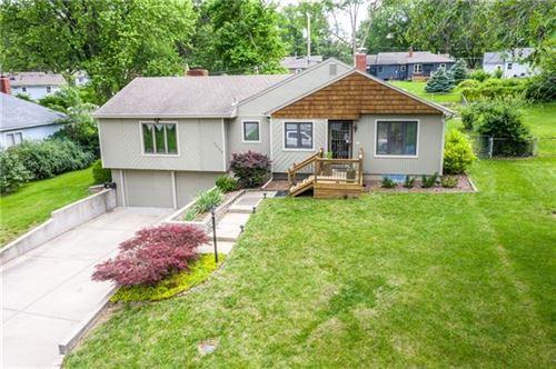 Photo of 5029 NE PARK Lane, Kansas City, MO 64118 (MLS # 2326615)