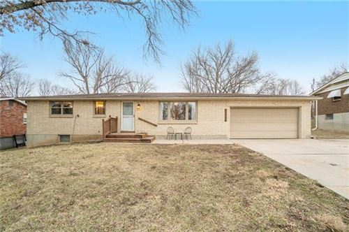 Photo of 4308 NW 51st Street, Kansas City, MO 64151 (MLS # 2306632)