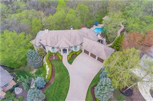 Photo of 8016 NW Timbercrest Place, Parkville, MO 64152 (MLS # 2157725)
